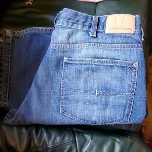 EUC Calvin Klein relaxed straight jeans